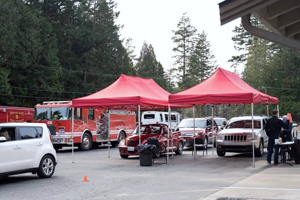 A drive-through vaccination clinic in Point Roberts. Fire chief Christopher Carleton is proposing the same to help inoculate B.C. residents who cross the border. (Point Roberts Fire Department)