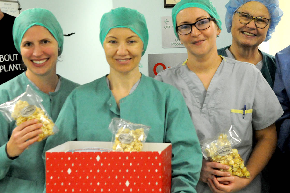 Nurses at Langley Memorial Hospital were treated to big boxes of popcorn by organ recipients who stopped by to say thank you. (Ryan Uytdewilligen/Langley Advance Times)