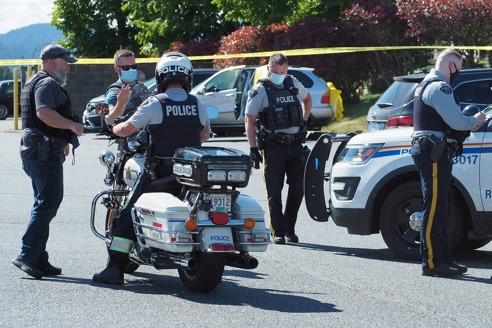 RCMP on scene at Rock City Centre in Nanaimo following reports of shots fired. RCMP confirmed one person died in the incident. (Chris Bush/News Bulletin)