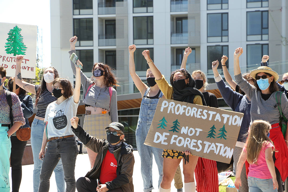 Demonstrators in front of the Ministry of the Environment. (Kiernan Green / Victoria News Staff)