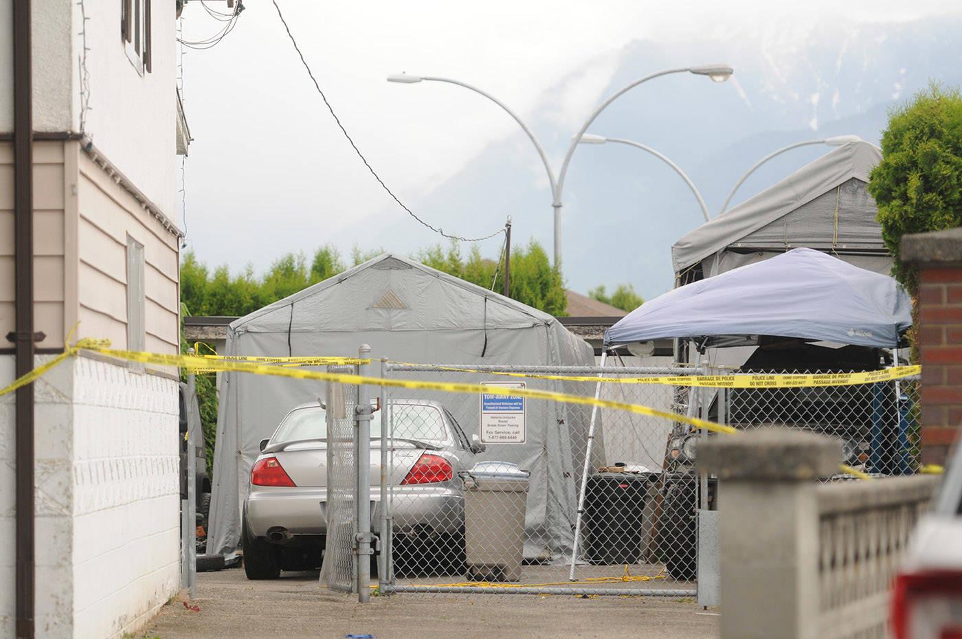 RCMP were on scene at a house on Broadway street on Thursday, May 27, 2021. (Jenna Hauck/ Chilliwack Progress)