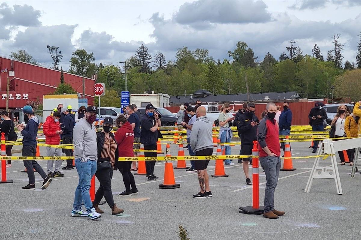 Lineup for a target-community COVID-19 vaccine clinic in Surrey, May 28, 2021. (Peace Arch News)