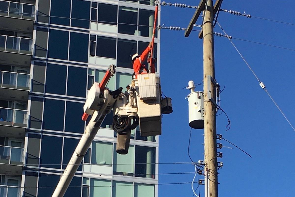 Power line technicians are among the trades subject to compulsory certification in B.C. (Tom Fletcher/Black Press)