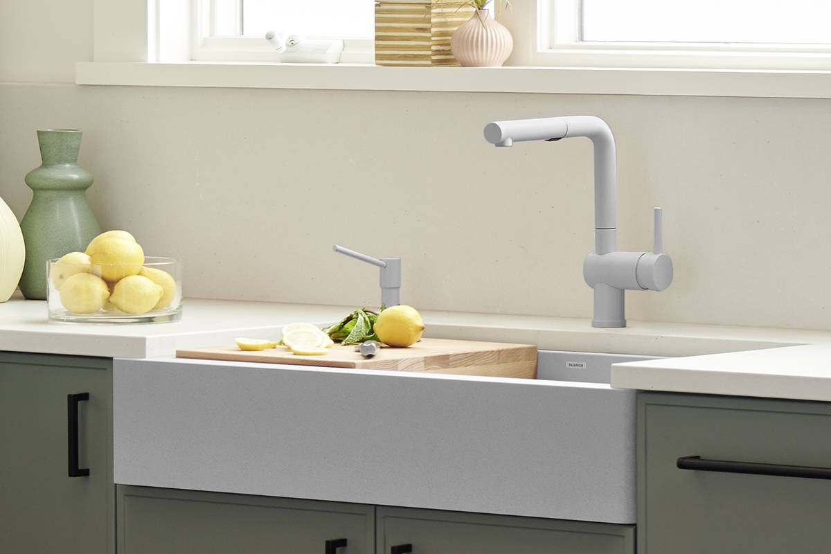 Known for their unique, modern design and reliable, quality products, BLANCO's Vintera line has revolutionized the popular farmhouse-style sink typically associated with a more traditional aesthetic.