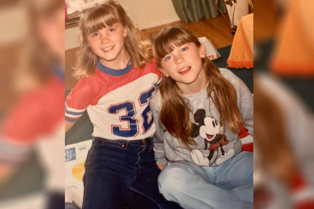 Janet (left) and Karen Johnson. (Shelley Woods Boden/Facebook)