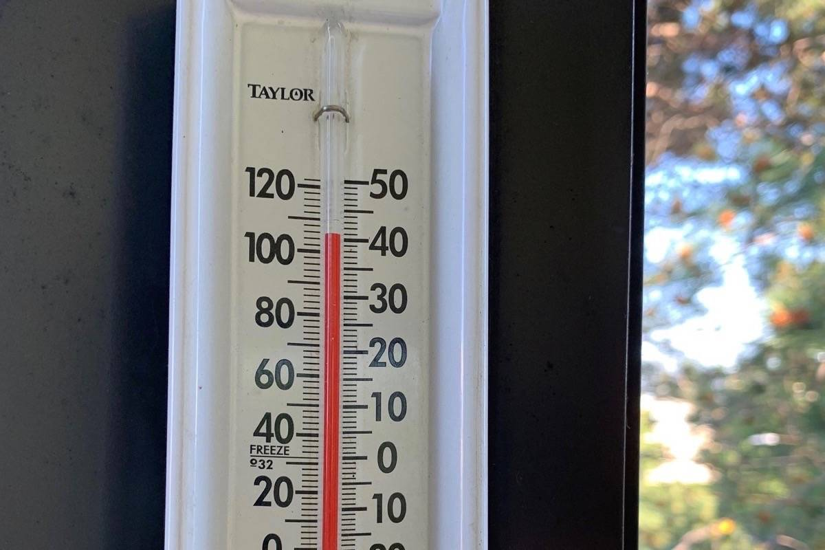 Temperatures in Victoria reached 40 degrees on Monday, with records broken all across the province this week. (Tom Fletcher/Black Press)