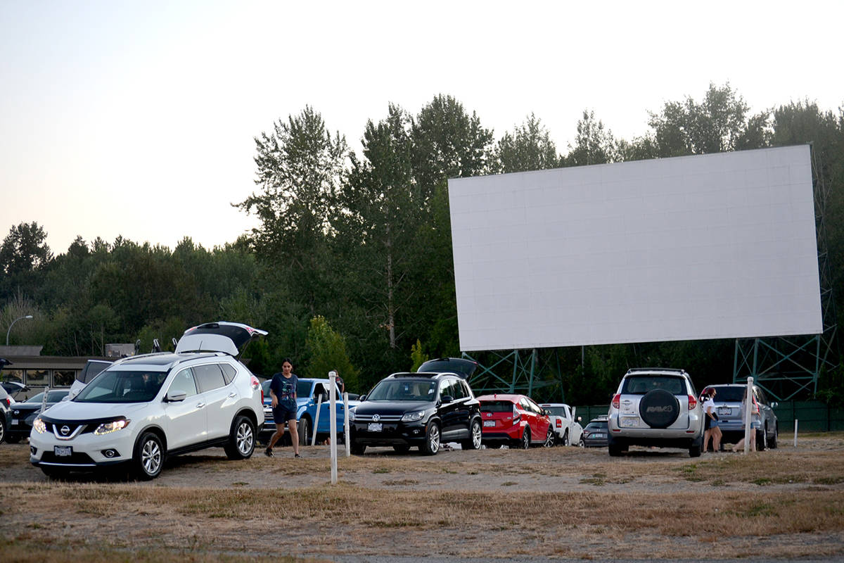 Warm summer weather amind August long weekend brings out crowds to Aldergrove's Twilight Drive-In. (Ryan Uytdewilligen/Aldergrove Star)