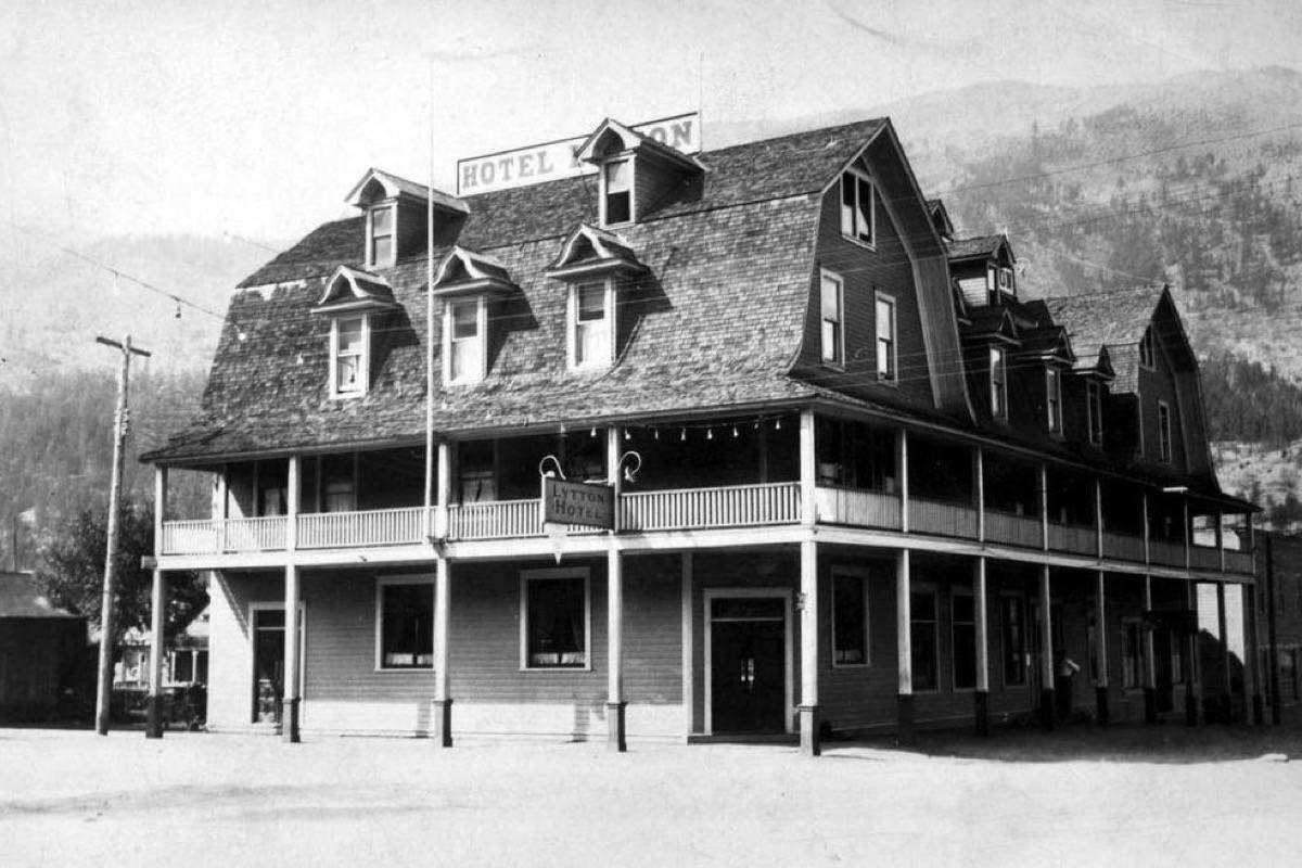 The Lytton Hotel in 1920. (Photo credit: BC Archives)