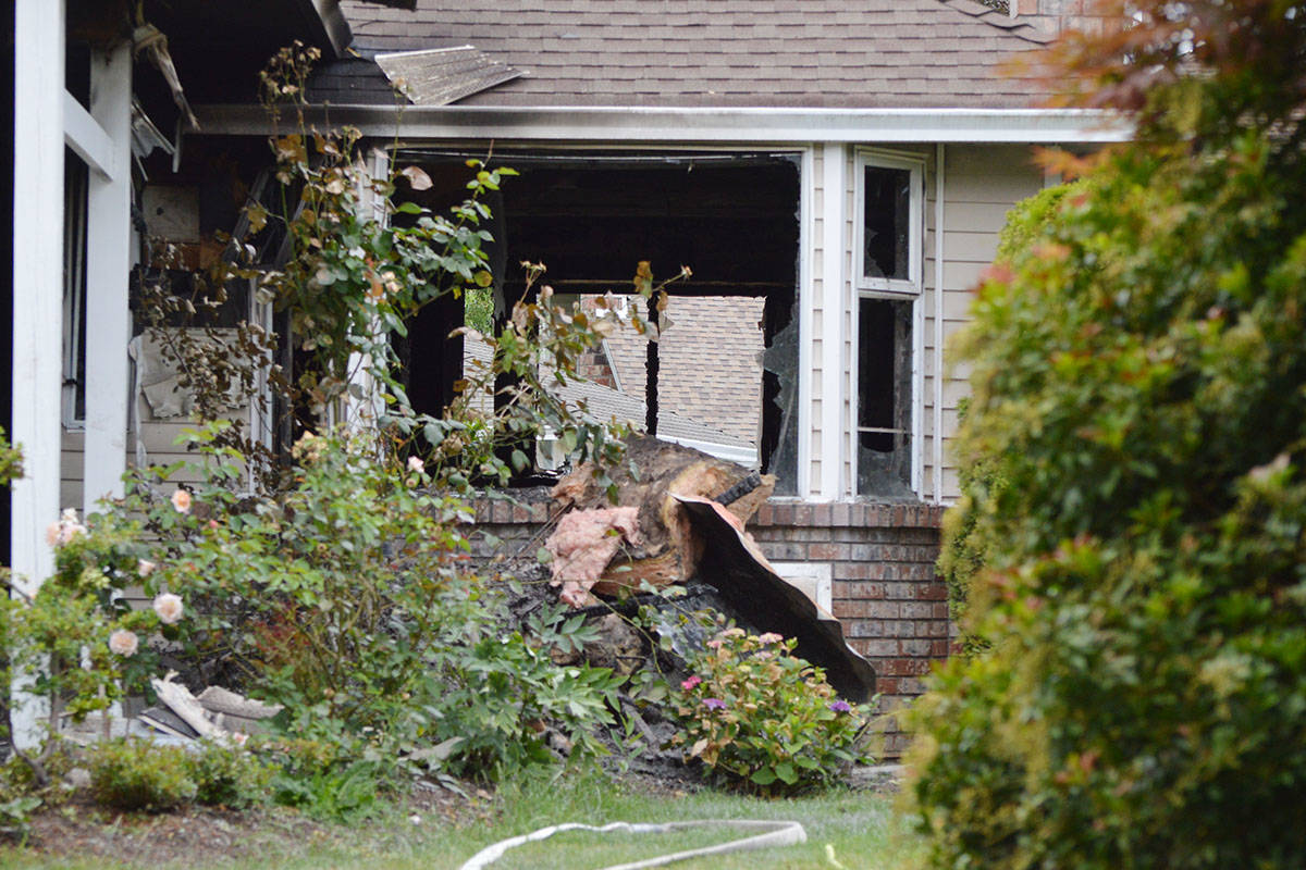 Police and fire detectives are investigating a house fire in Surrey after a child was found dead. (Aaron Hinks photo)