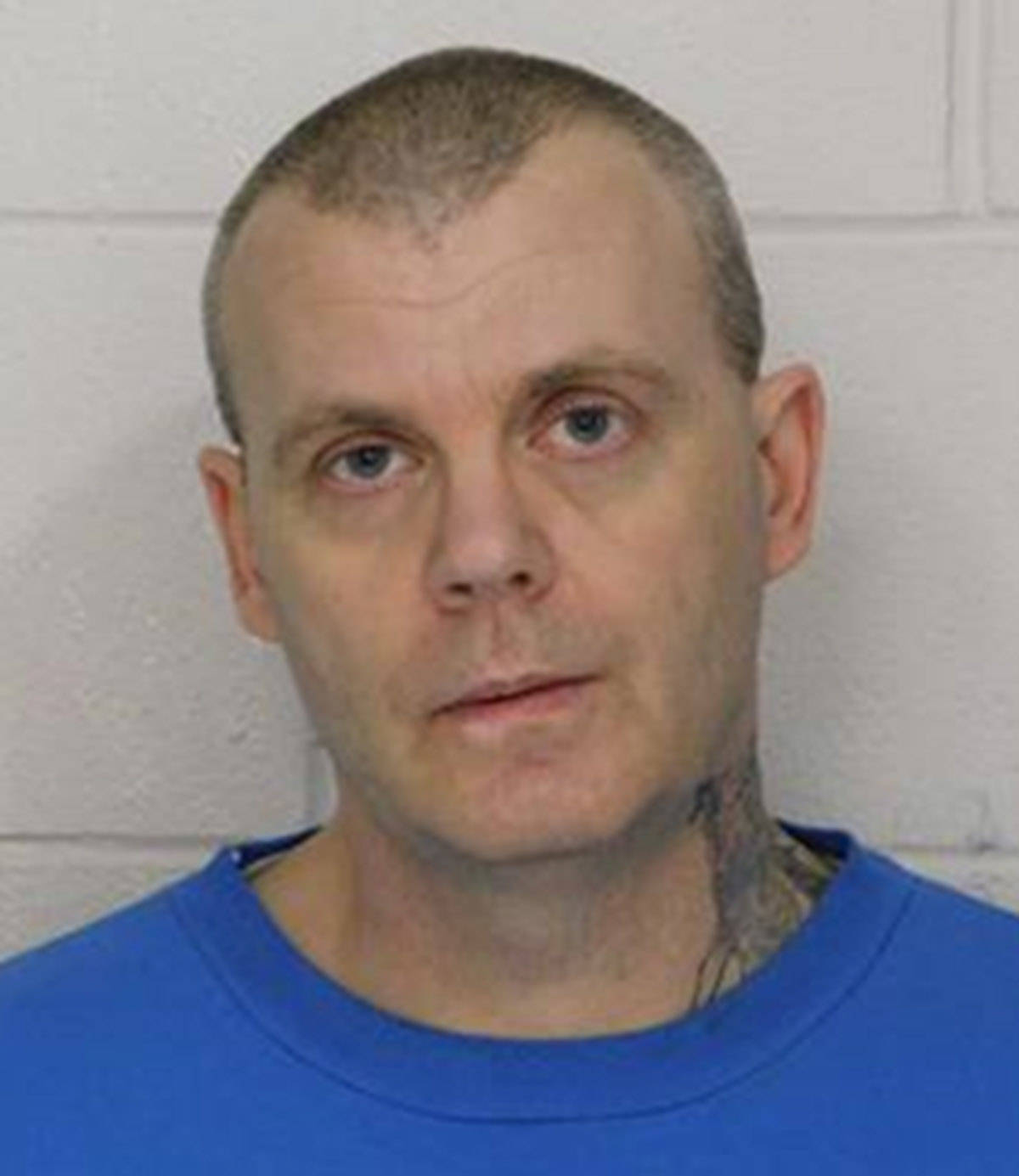 """Name: NAZAREK, Dana Age: 50 Height: 6'0"""" ft Weight: 180 lbs Hair: Black Eyes: Blue Wanted: Canada Wide Warrant – Unlawfully at Large Warrant in effect: July 5, 2021 Parole Jurisdiction: Surrey, BC"""