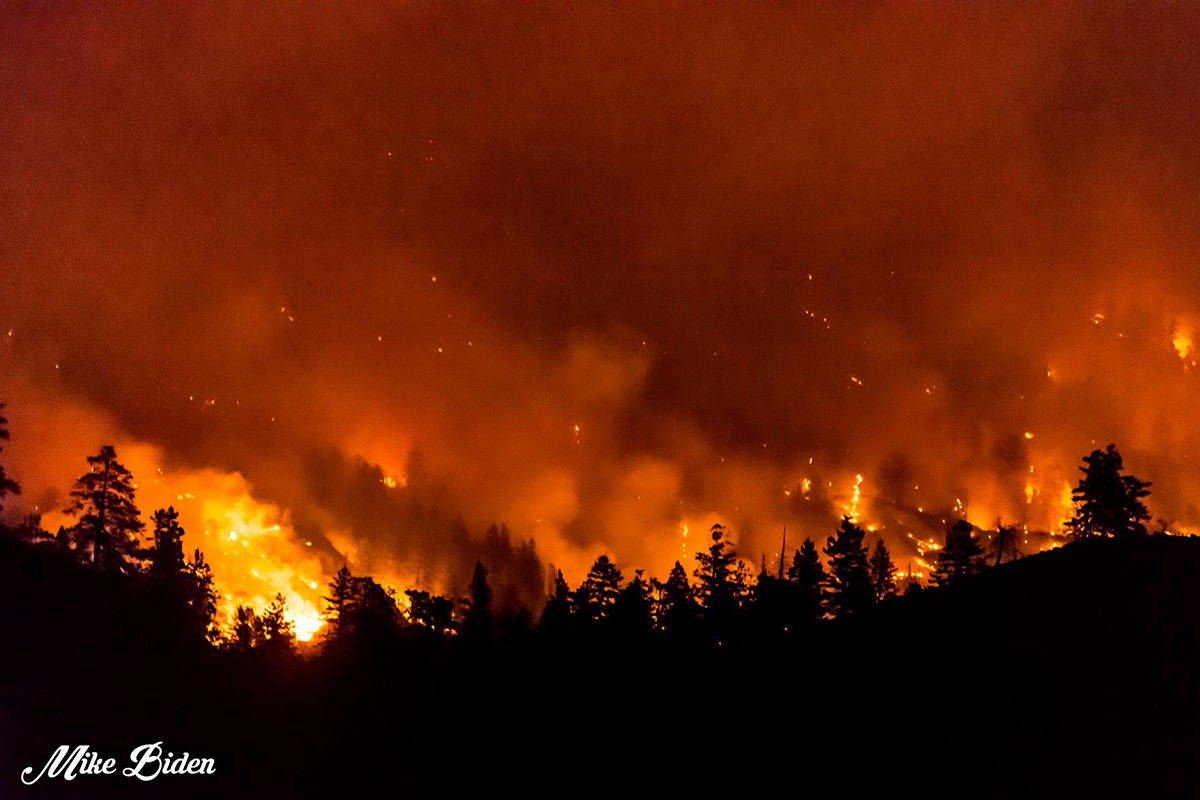 Thomas Creek wildfire as seen at night. The fire, above OK Falls has grown to 1,100 ha. (Mike Biden)