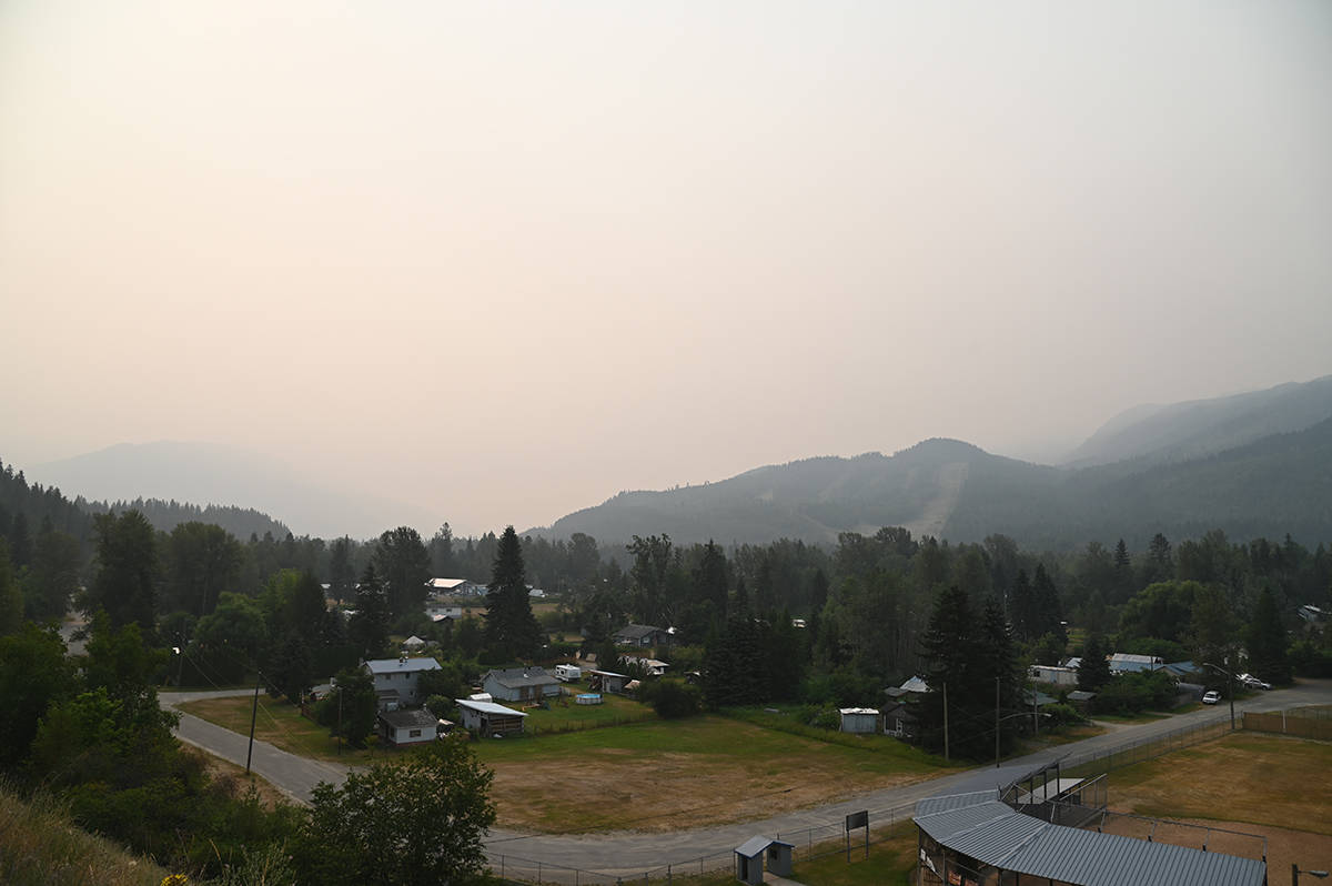 The smoky skies as seen from the top of the hill overlooking the Strawberry Flats community in Clearwater. (Stephanie Hagenaars / Clearwater Times)