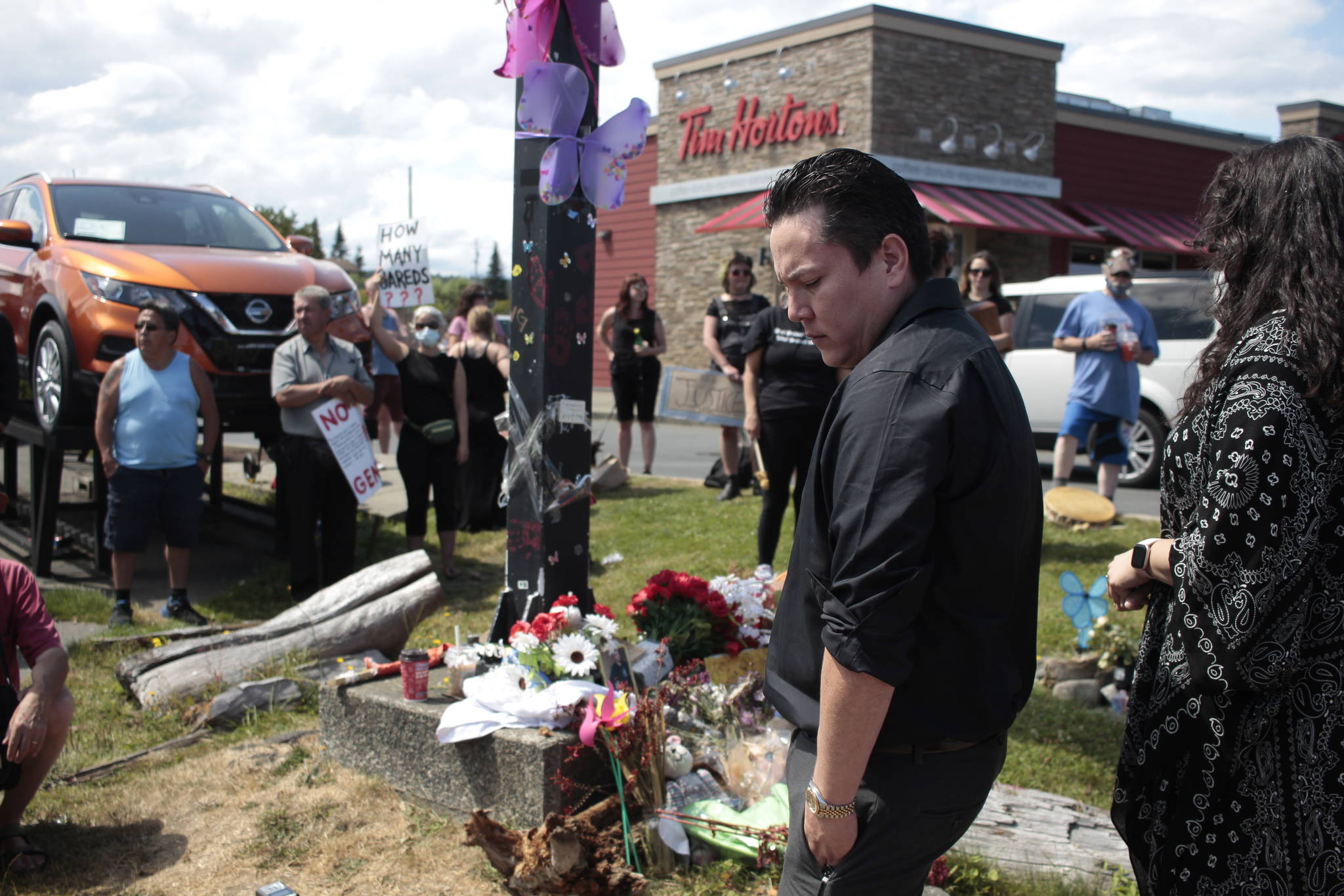 Jared Lowndes' friend Jason Watt makes a statement at Lowndes' memorial. Photo by Marc Kitteringham / Campbell River Mirror