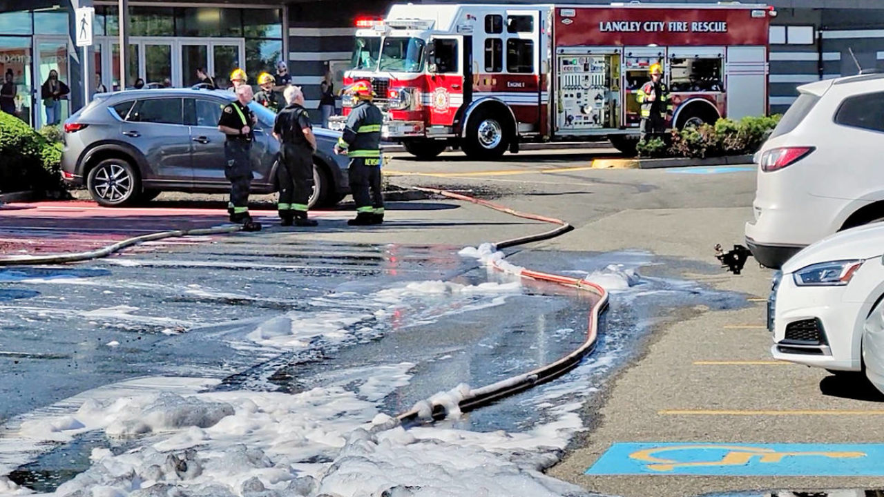 20 firefighters respond to fire at Willowbrook mall parking lot that left  ...