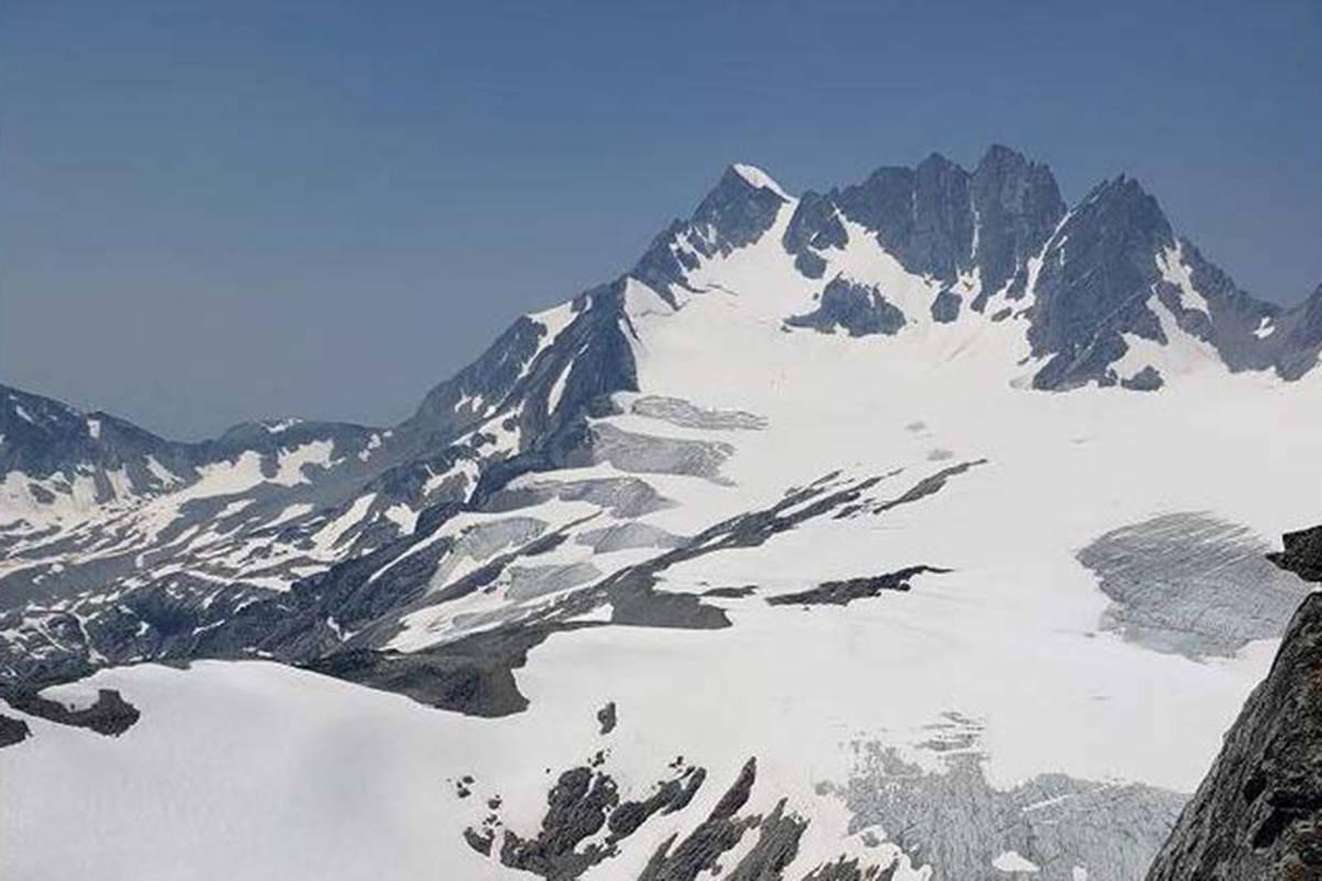 View of Rogers Peak on July 19, 2021. (Tim van der Krogt-Revelstoke Review)