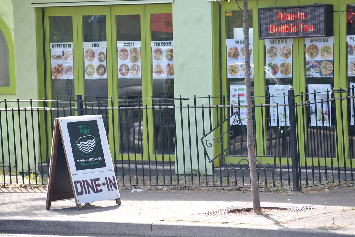 Unrestricted dine-in options have been back at restaurants around Aldergrove for a month, and people – and staff– are returning in droves. (Ryan Uytdewilligen/Aldergrove Star)