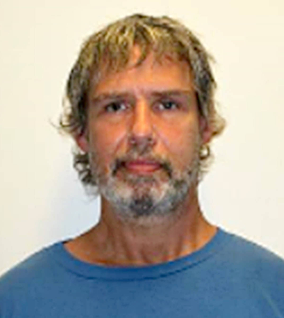 """Name : OSCROFT, David Age: 60 Height: 6' 3"""" Weight: 250 lbs Hair: Brown/Grey Eyes: Green Wanted: Multiple robberies and thefts Warrant in effect: July 15, 2021 Parole Jurisdiction: North Vancouver"""