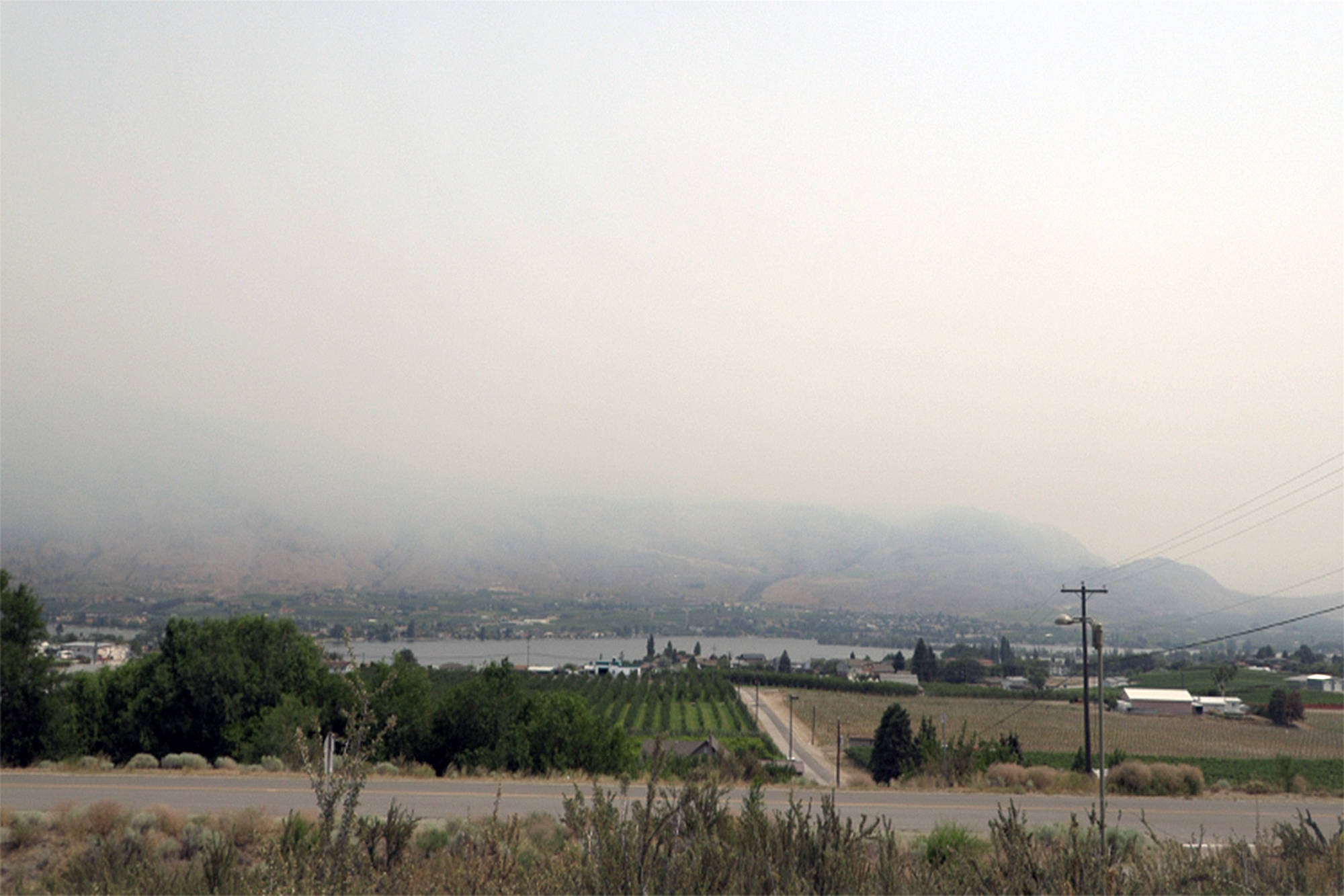 The skies above Osoyoos are thick with smoke from the nearby Nk'Mip Creek wildfire. (Twila Amato /Black Press Media)