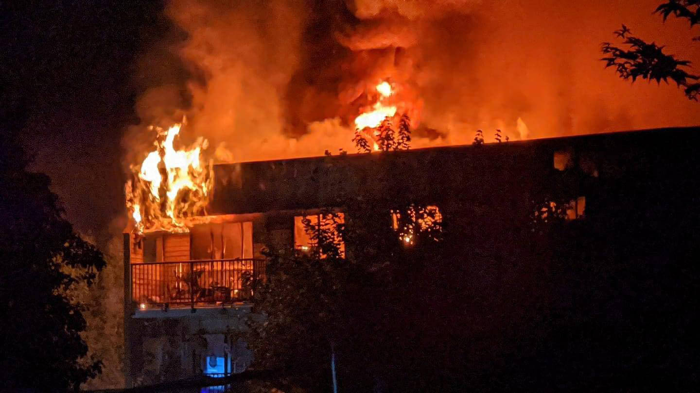 Fire seriously damaged an apartment building on Hazel Street near Margaret Avenue at apprxoimately 1 a.m. on July 29, 2021. (Tiara Moore photo)