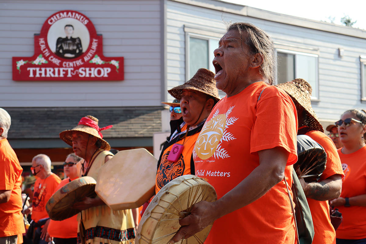 Drummers from Penelakut drummed and sang throughout the march. (Cole Schisler photo)