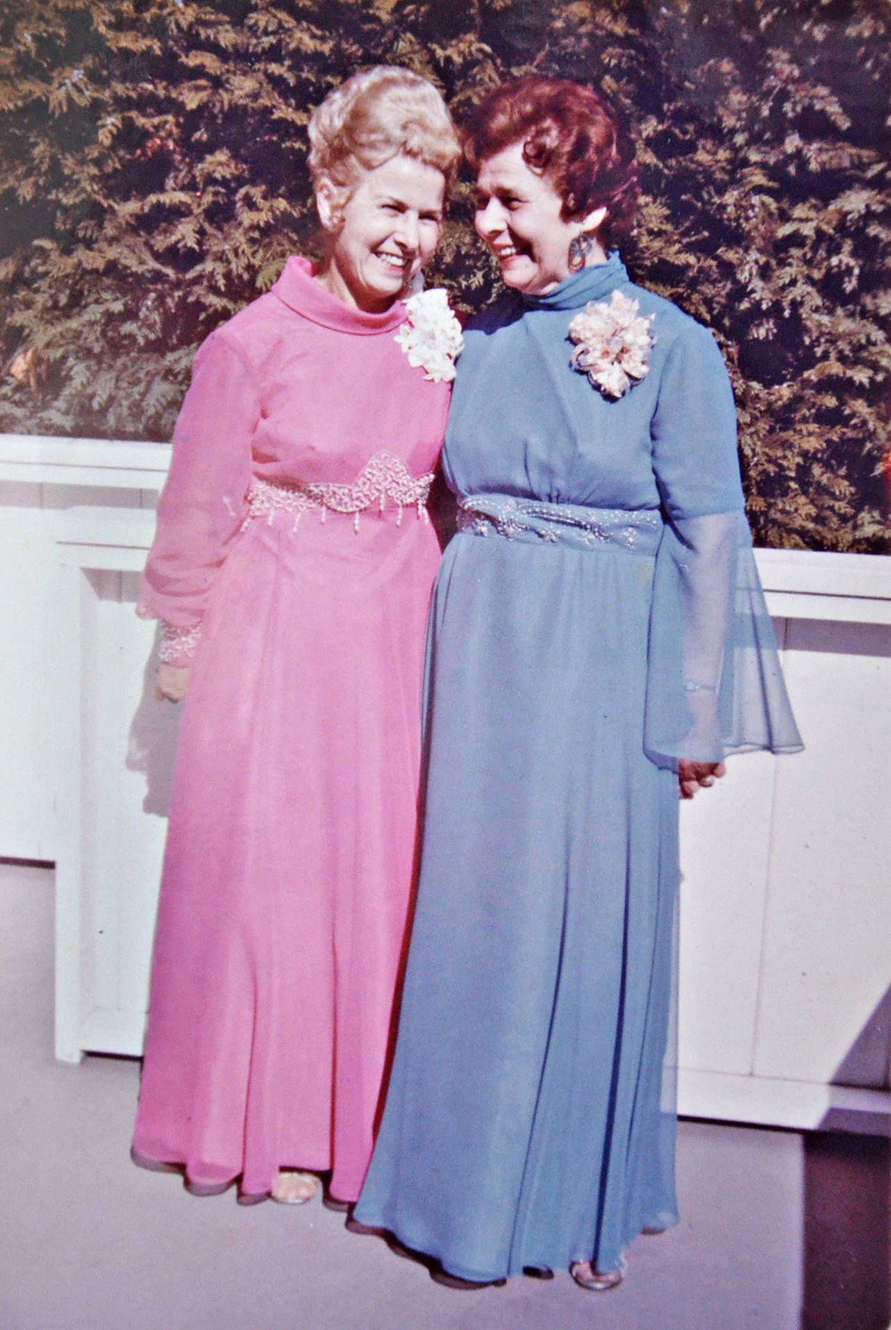 Ivy Philipps and her sister on her wedding day in the 1960s. (Family photo/Special to the Langley Advance Times)