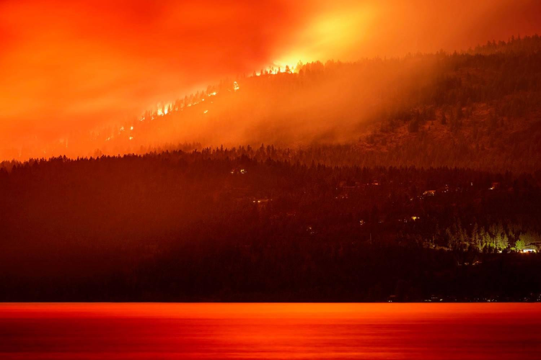 The White Rock Lake wildfire burns near the Westside on Friday night, Aug. 6, 2021. (Steve Wensley - Prime Light Media)