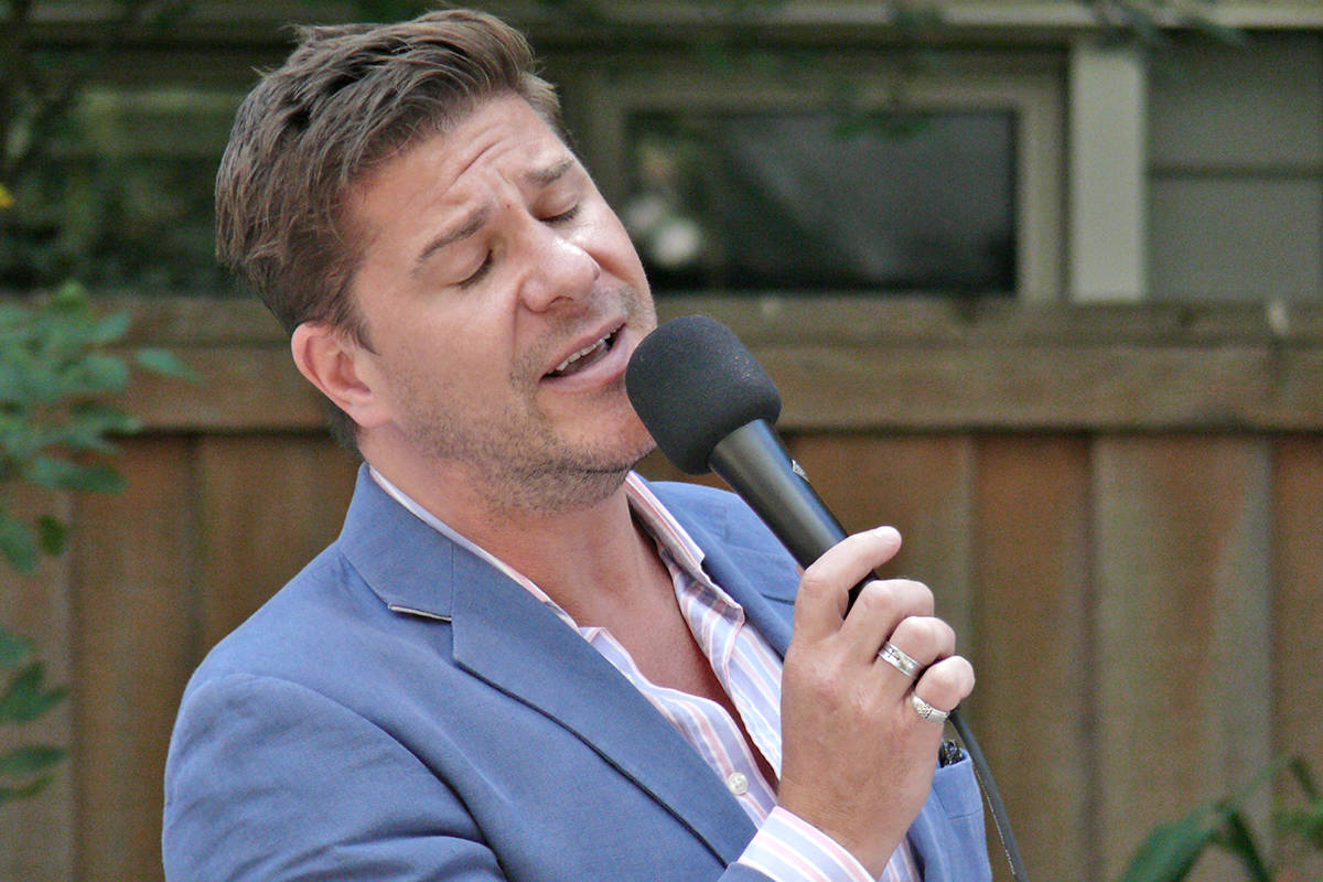 Mad Jazz crooner Dane Warren performed for residents of the Langley Lodge on Monday, Aug. 8. (Dan Ferguson/Langley Advance Times)