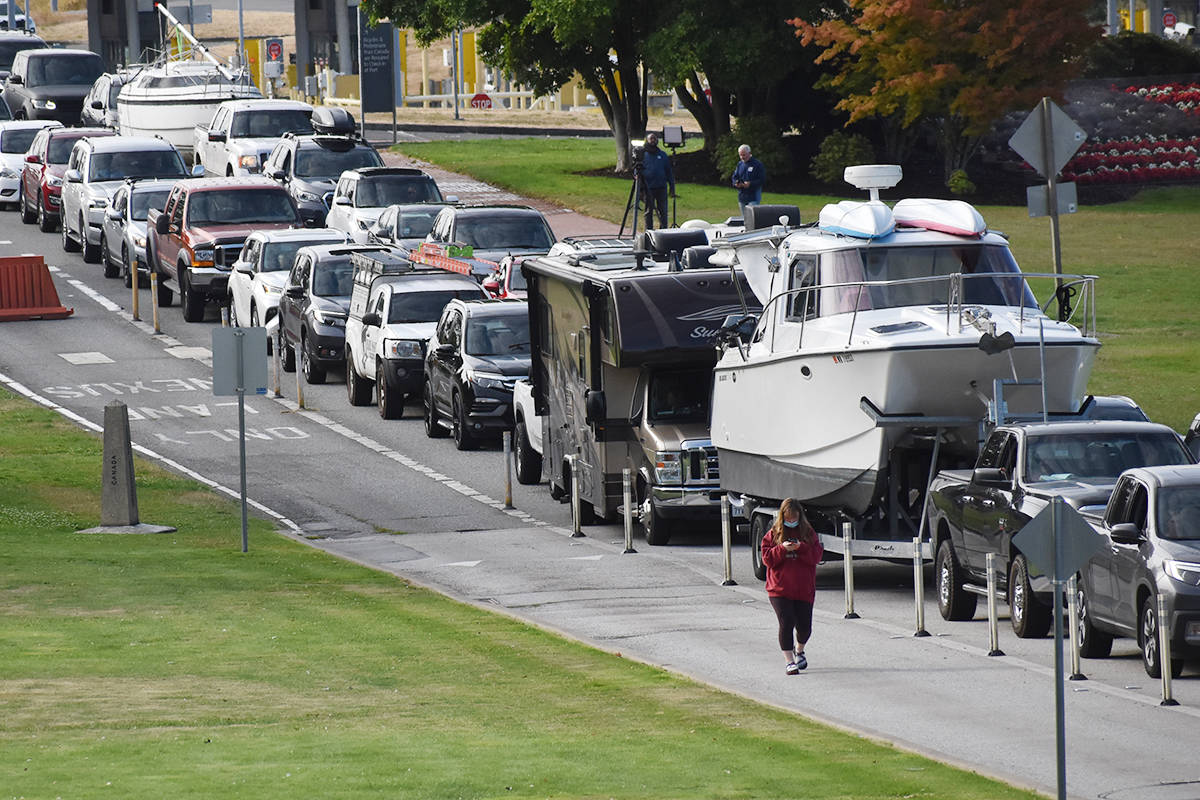 Americans make their way to the Canadian border after the federal government said it would allow fully vaccinated Americans to cross the Canada-U.S. border. (Aaron Hinks photo)