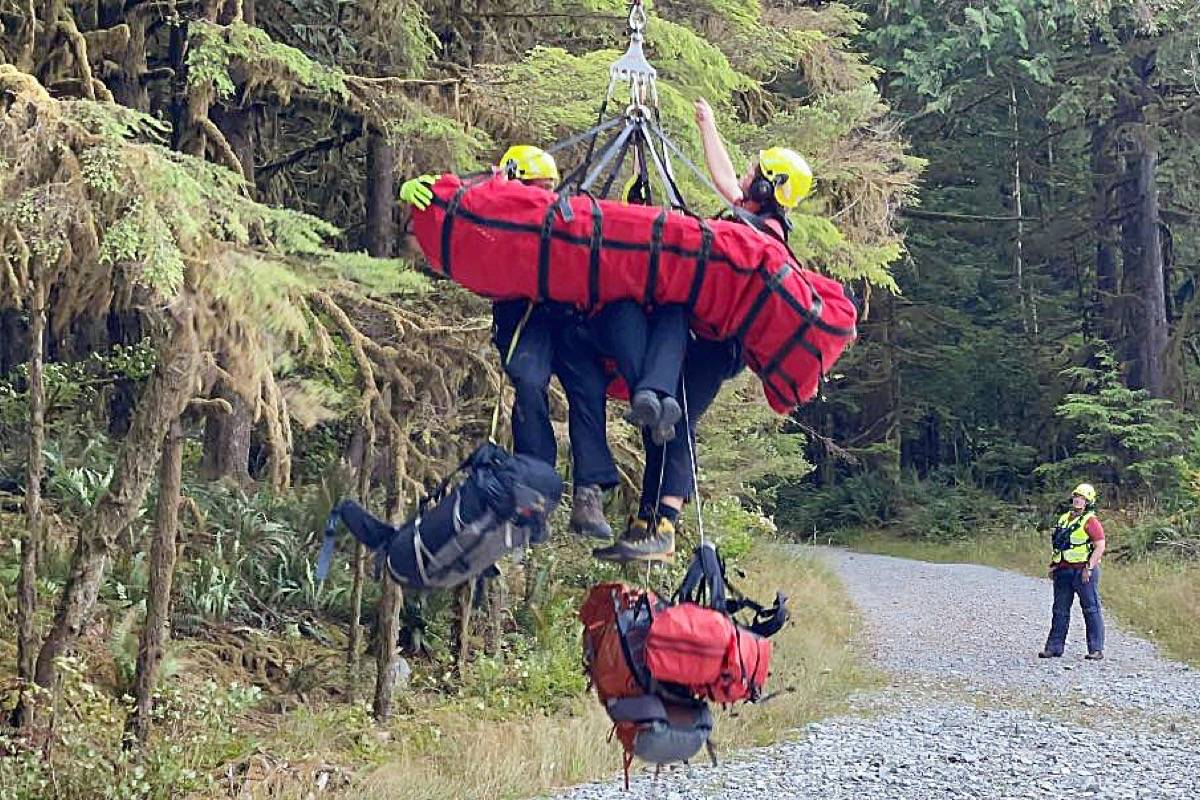Ridge Meadows Search and Rescue, with help from Coquitlam Search and Rescue, performed a longline rescue in Golden Ears Provincial Park on Tuesday. (Ridge Meadows Search and Rescue/Special to The News)