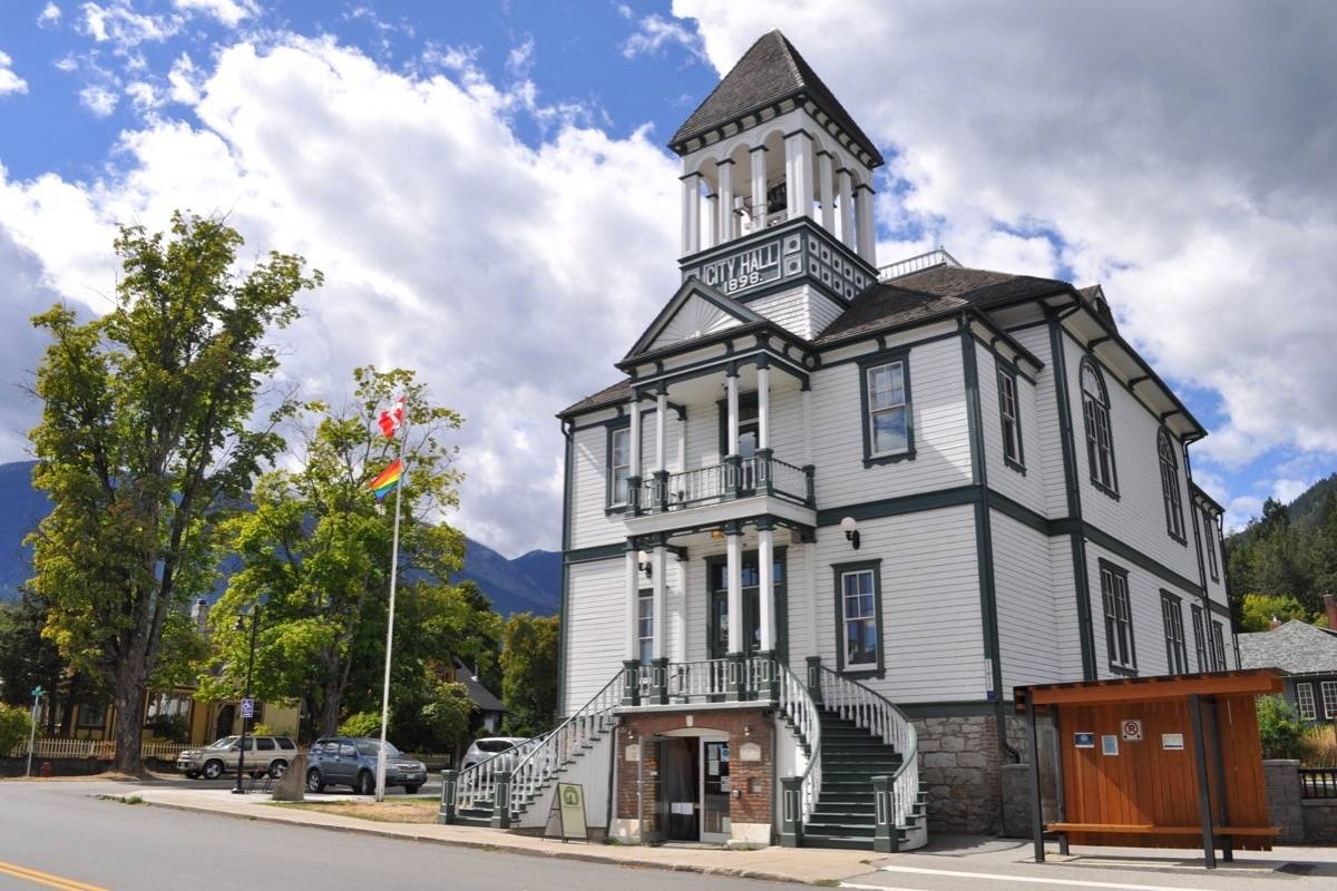 Village of Kaslo were forced to apologize after raising the Canadian flag back to full mast. File photo