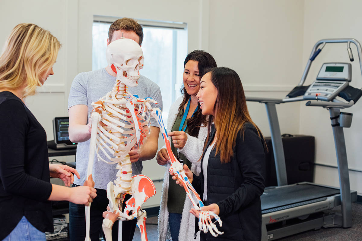 Dr. Anita Coté (centre) leads TWU students to investigate cardiovascular disease risk and mitigation factors. (TWU)