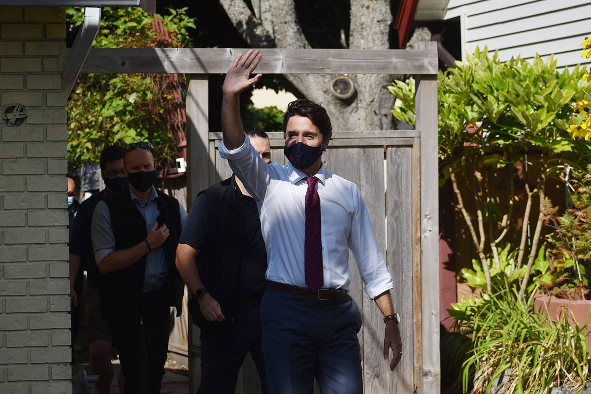Liberal Leader Justin Trudeau and South Surrey-White Rock candidate Gordie Hogg speak at a campaign event in South Surrey Wednesday. (Aaron Hinks photo)
