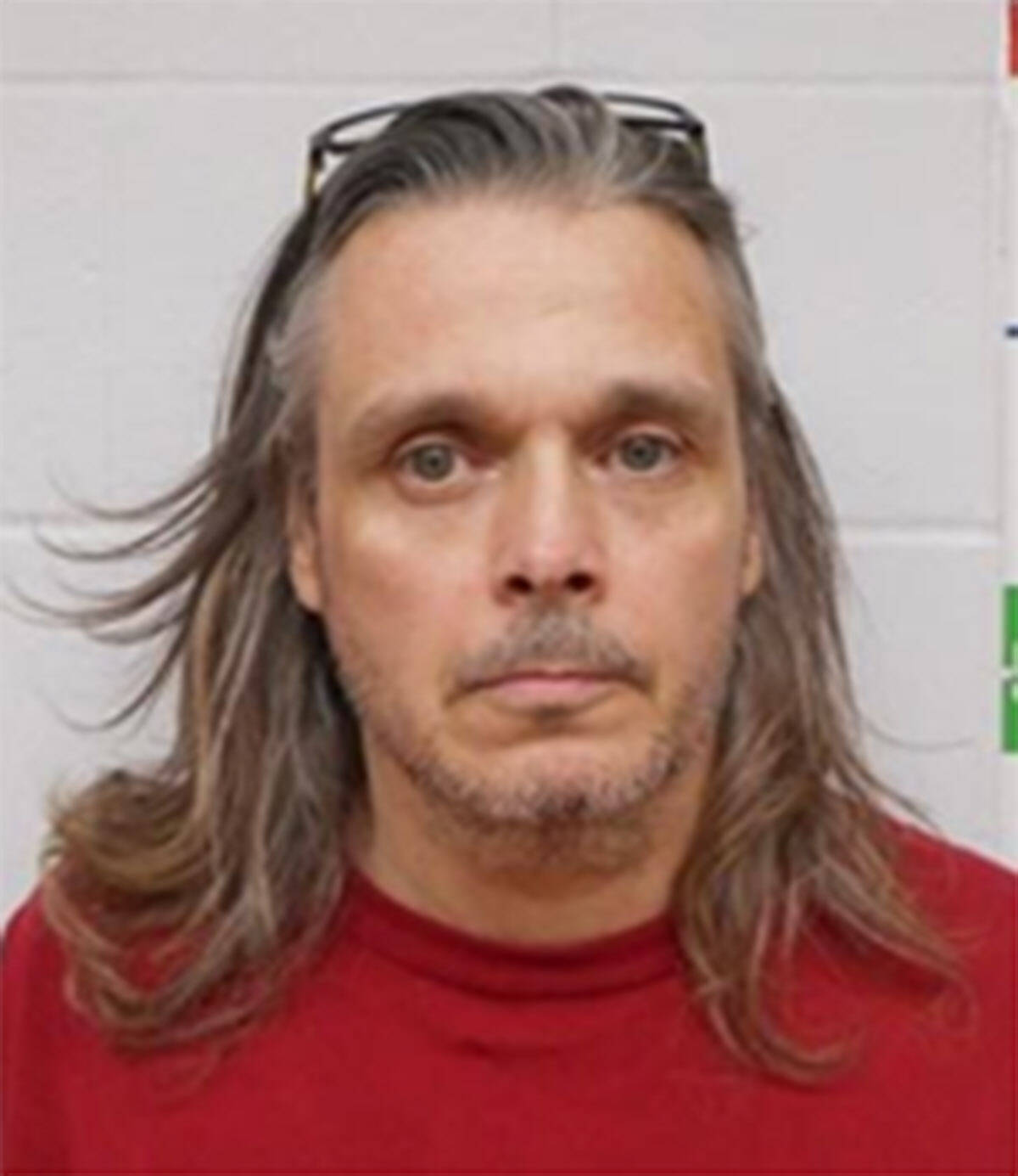 """Name: BONSELL, Warren Age: 53 Height: 5'9"""" ft Weight: 190lbs Hair: Grey Eyes: Hazel Wanted: Armed Robbery Warrant in effect: July 5, 2021 Parole Jurisdiction: New Westminster, BC"""