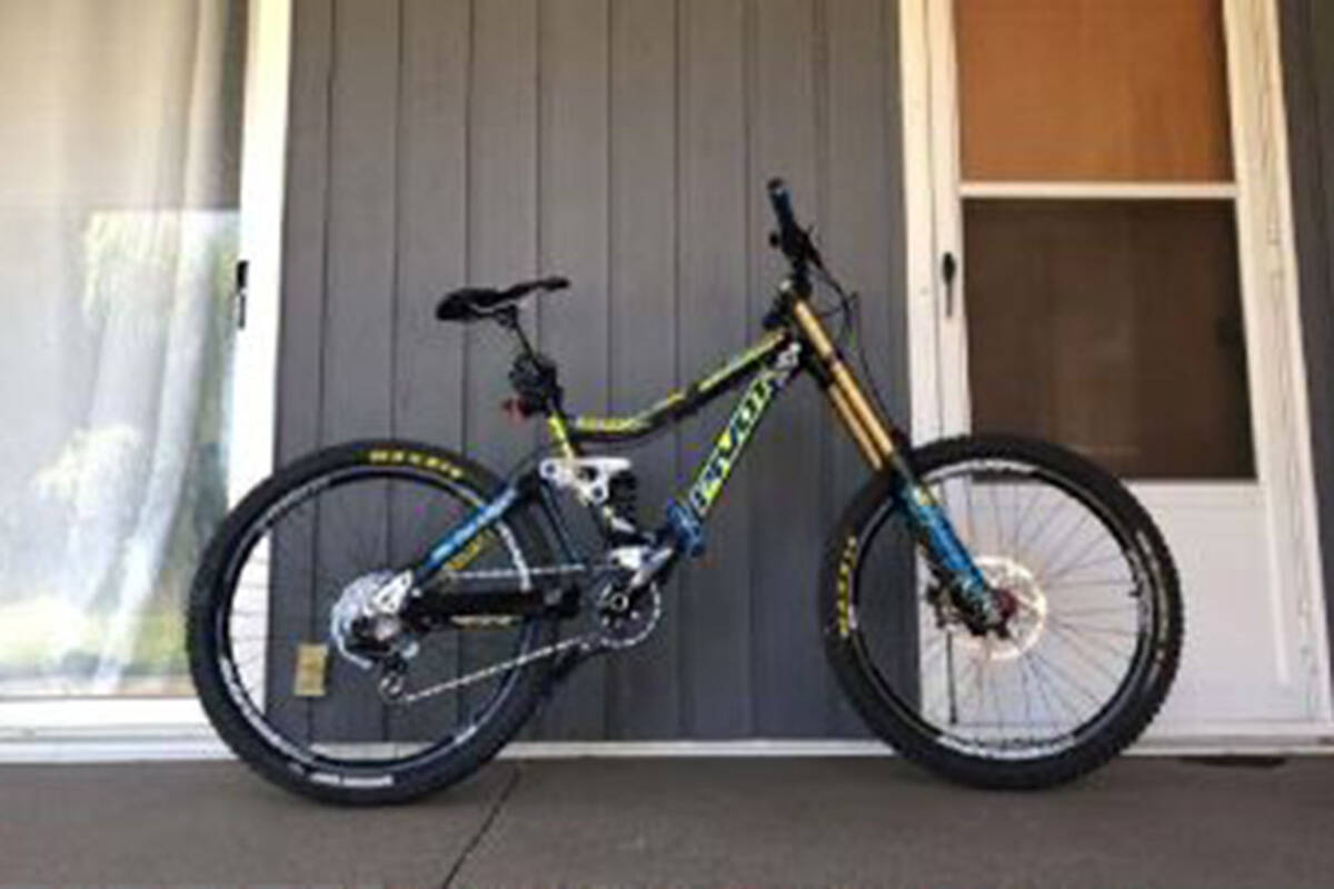 The pictured bicycle was stolen from the back of a pickup truck at the Walnut Grove Holiday Inn Express on Aug. 7, 2021. (Langley RCMP)