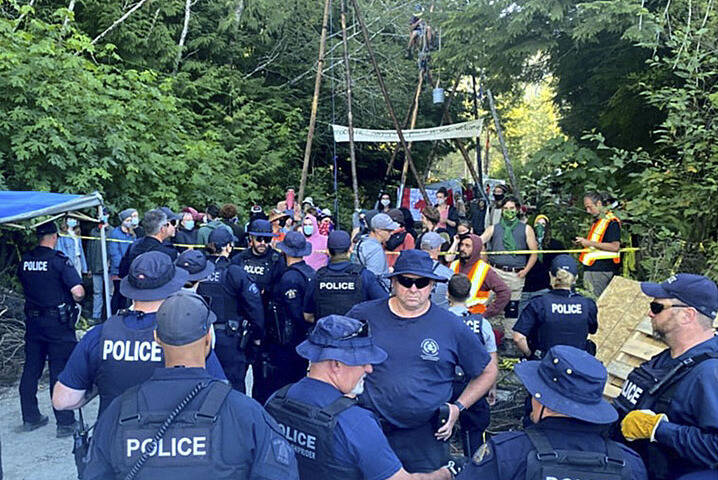 Police union survey says most in B.C. support enforcement at Fairy Creek - Langley Advance Times