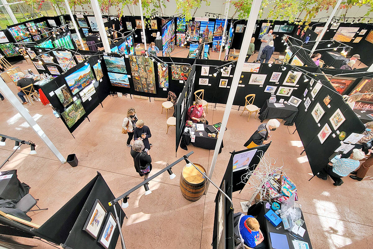 Social distancing was maintained at the West Fine Art Show fall exhibition and fundraiser for the Langley Hospice Society at the Glass House Estate Winery in Aldergrove held from Friday, Sept. 17, to Sunday, Sept 19. (Dan Ferguson/Langley Advance Times)