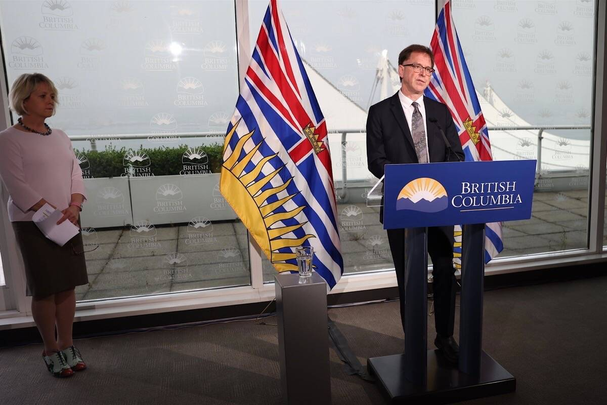 Provincial health officer Dr. Bonnie Henry and Health Minister Adrian Dix update B.C.'s COVID-19 situation from the Vancouver cabinet offices, Sept. 17, 2020. (B.C. government)