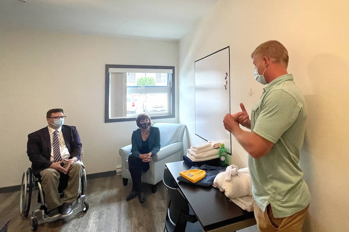 PCRS official Steven Esau acting as tour guide for Chilliwack MLA Dan Coulter and Minister of Mental Health and Addictions Sheila Malcolmson at Traverse youth treatment facility in Chilliwack on Sept. 22, 2021. (Jennifer Feinberg/ Chilliwack Progress)