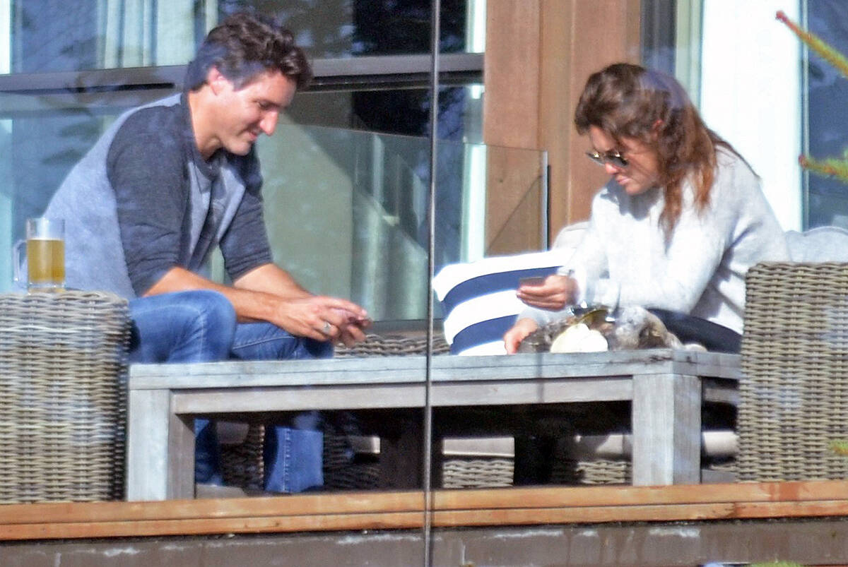 Prime Minister Justin Trudeau and wife Sophie Grégoire Trudeau vacationing at a beachfront property in Tofino on Sept. 30. (Nora O'Malley photo)