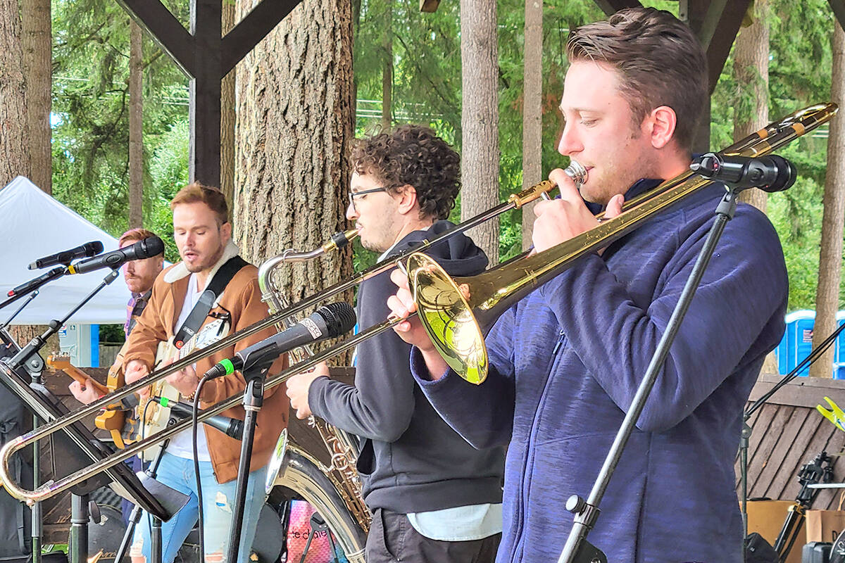 Live music at the sold-out Fort Langley Beer and Food Festival on Saturday, Oct. 2. (Dan Ferguson/Langley Advance Times)