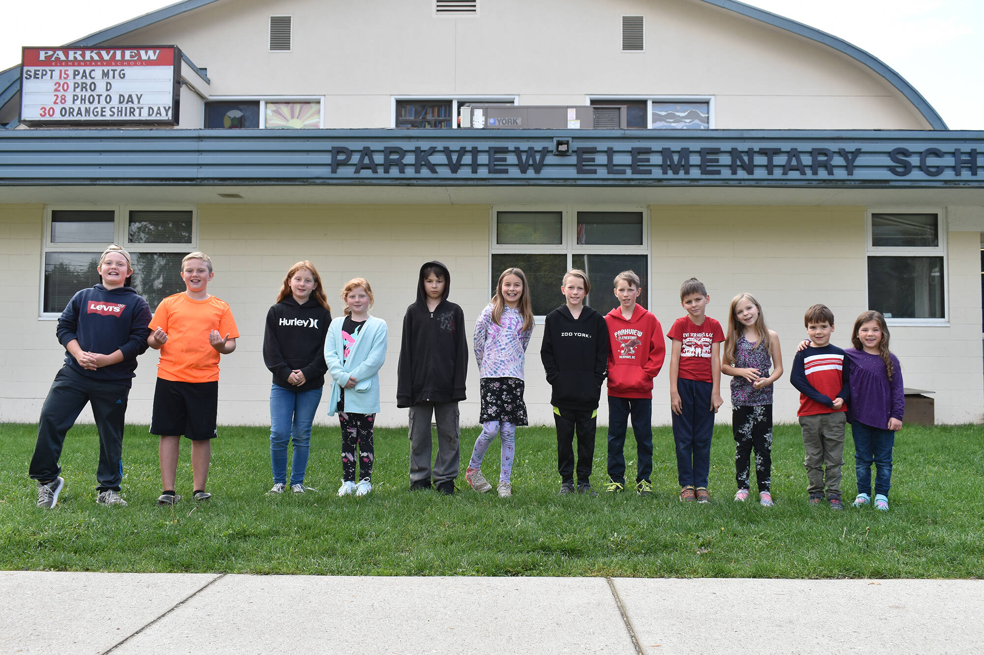 Six sets of twins are attending Parkview Elementary School in Sicamous for the 2021-22 school year. From left to right, their names are: Levi and Cody Clark, Kate and Reese Osmundson, Maxx and Maycie-Jean Lane, Dustin and Dillon Hilder, Emily and Nathan Presley, and Aurora and Logan Dawson. (Zachary Roman/Eagle Valley News)