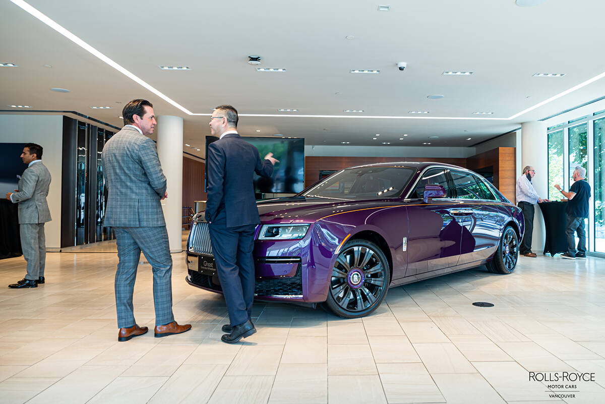 The new Rolls-Royce Ghost is equipped with a 6.75 litre twin-turbo V12 engine, offering the driver 563 hp. Alfonso Arnold photo