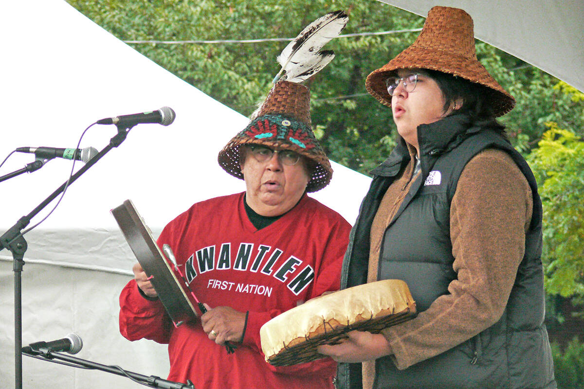Live music was featured at the annual Fort Langley Cranberry Festival on Saturday, Oct. 9. (Dan Ferguson/Langley Advance Times)