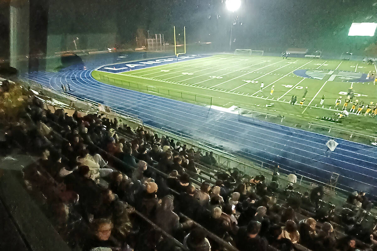 Thunderbirds held off a late-in-the-game drive by the Timberwolves on Friday, Oct. 15 at McLeod stadium, (Thunderbird Twitter image)