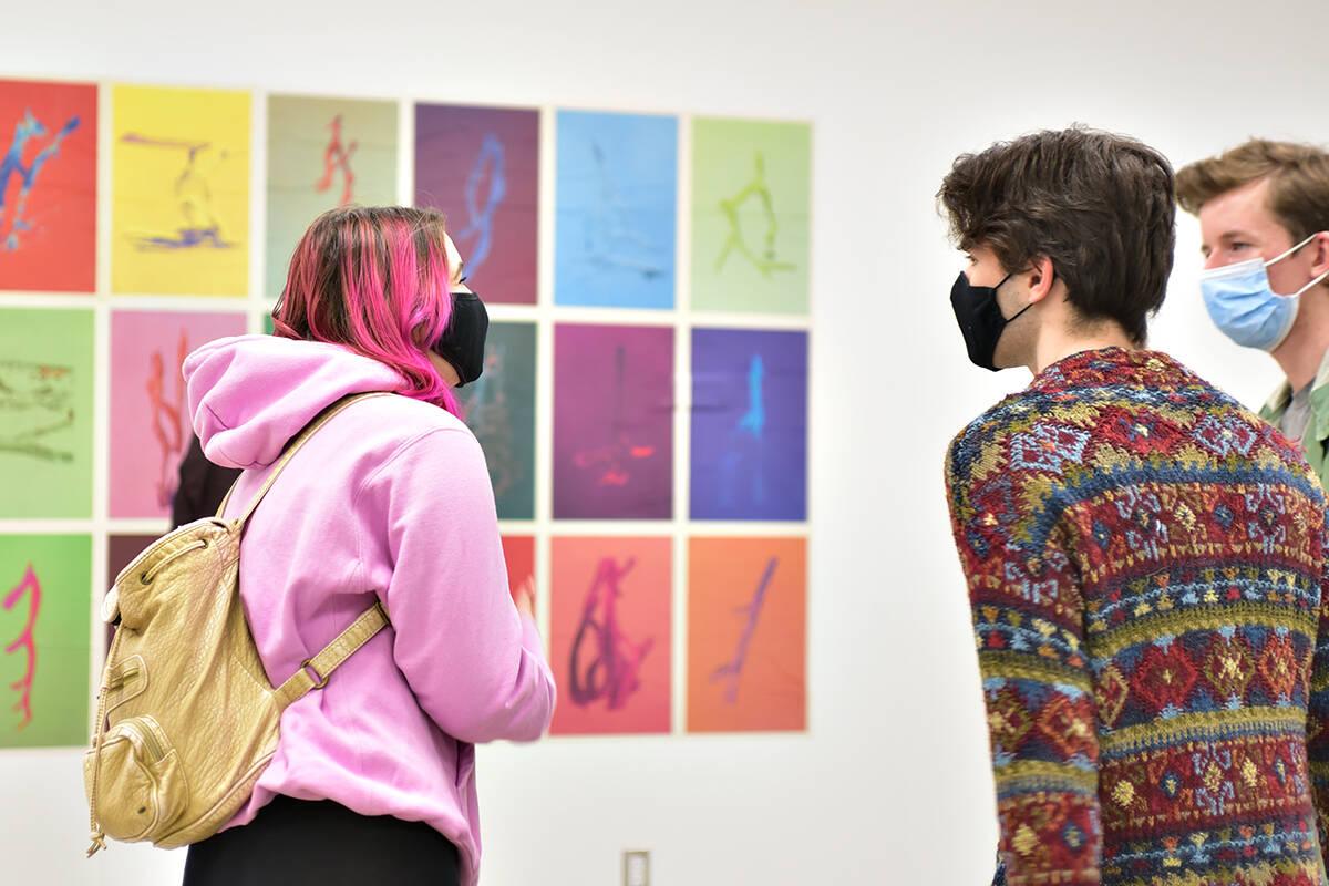 Art students visiting the SAMC Gallery at Trinity Western University. (TWU)