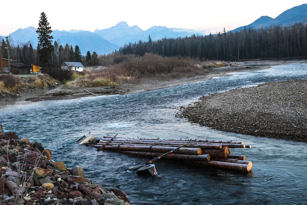 A fully-loaded logging truck plunged into the Elk River on Monday, October 18 2021. (Contributed by James Kirk)