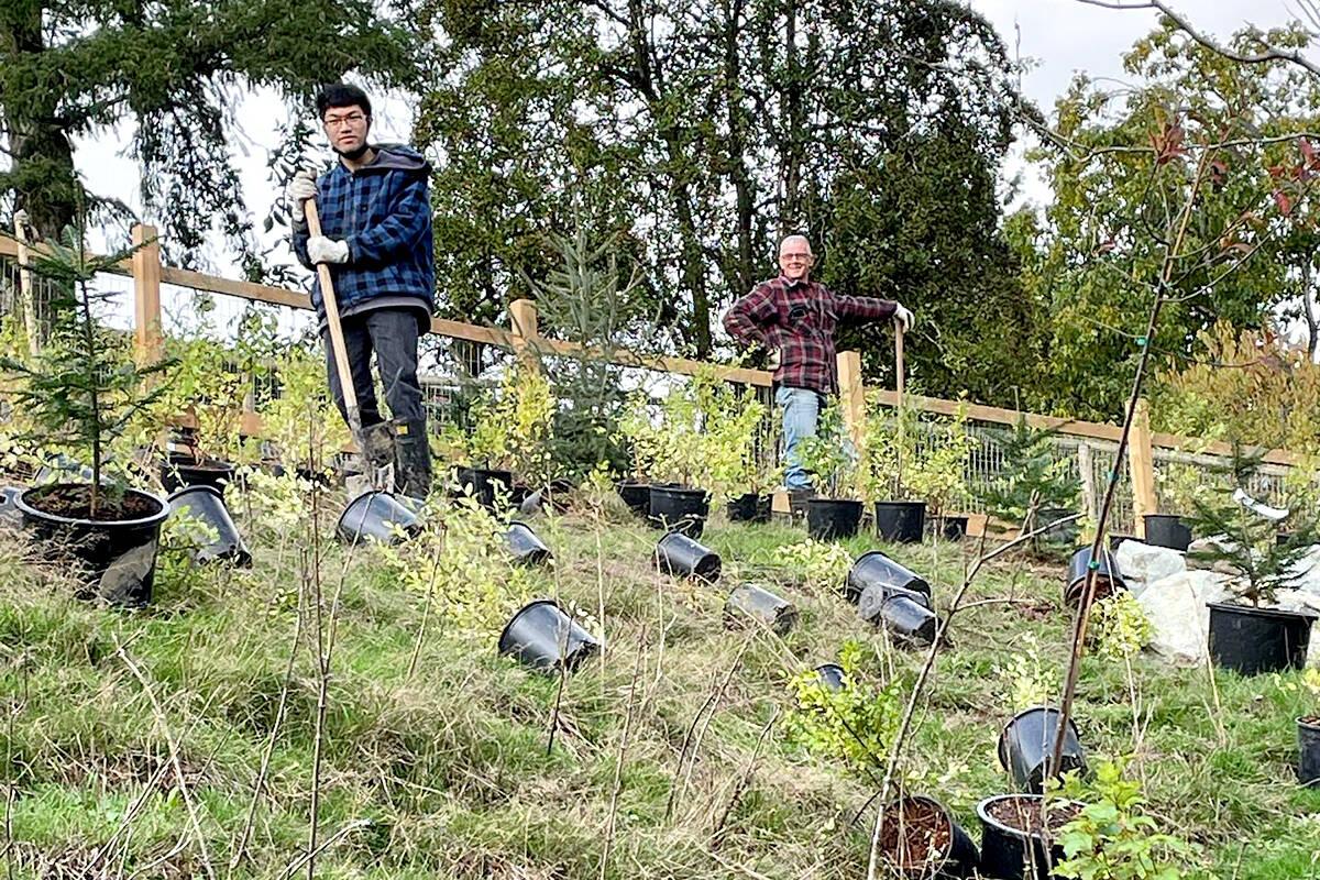 LEPS volunteers hard at work. (Langley Environmental Partners Society/Facebook)