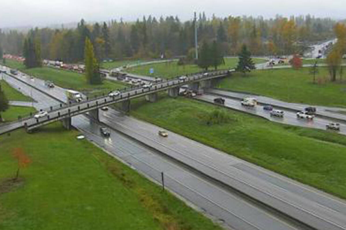 A vehicle incident westbound on Highway 1 at the 216th Street exit is causing traffic Thursday morning, Oct. 28, 2021. This image shows Highway 1 at the 232nd Street Street Overpass looking westbound. (DriveBC)
